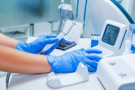 เครื่องมือรักษารากฟันแบบเป็นมอร์เตอร์ และสามารถโค้งไปตามคลองรากฟันได้ดีกว่าเครื่องมือแบบเดิม